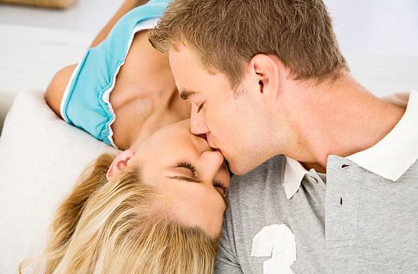Mennyi randevú első csók
