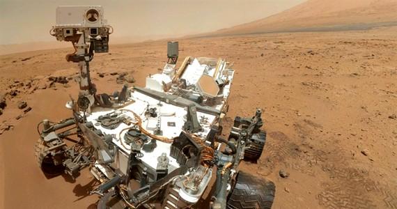 Íme, a Curiosity marsjáró önarcképe.