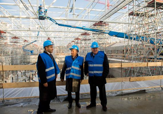 A Dagály Úszóaréna alapkövét 2015. május 15-én tették le, a létesítménynek 2017. március 31-ig kell elkészülnie.