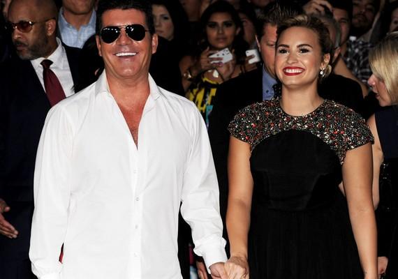 A férfi már azt is mondta, Demi az ő jobbkeze, de talán most még neki is sok volt, amit az énekesnő művelt.