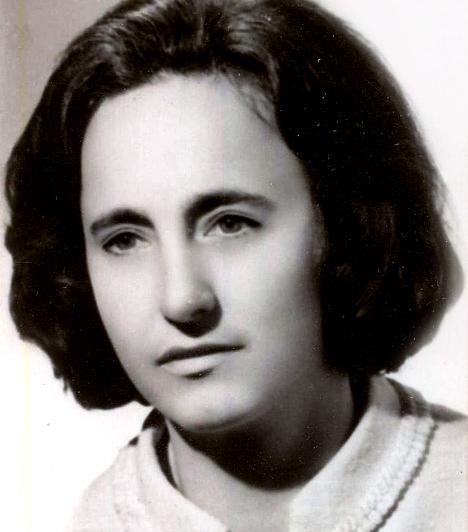 Elena Ceausescu, Nikolae Ceausescu felesége  A Ceausescu-diktatúra ideje alatt a földműves családból származó Elena lett a Román Akadémia elnöke, valamint az államfő első helyettese. A kémia tudományában elért, ma kétes hírű eredményei miatt több nyugati egyetem is díszdoktorává avatta. Férjével együtt az 1989-es forradalom ideje alatt végezték ki.  Kapcsolódó kvíz: Nők, akik megváltoztatták a történelmet »