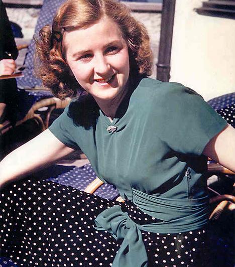 Eva Braun, Hitler felesége  A jómódú bajor katolikus családból származó Eván azonnal megakadt Hitler szeme, amint belépett a fényképész üzletbe, ahol a lány dolgozott. Később a Führer szeretője lett, majd öngyilkosságuk előtt, 36 órán át a felesége. Eva nem foglalkozott politikával.  Kapcsolódó cikk: Ezt te sem tudtad Hitlerről»
