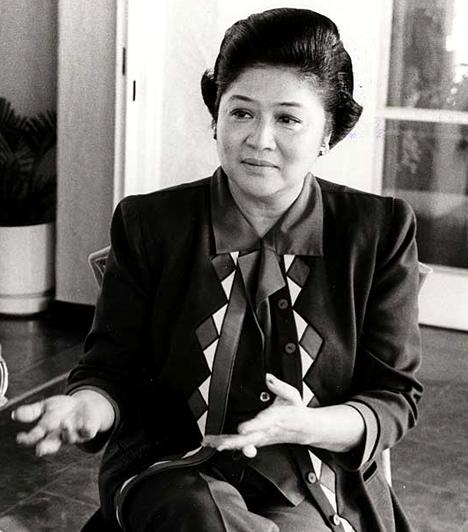 Imelda Marcos, Ferdinand Marcos felesége  Imelda a Fülöp-szigeteki diktátor, Ferdinand Marcos feleségeként számos politikai pozíciót betöltött, eközben, míg az ország nyomorgott, hatalmas, fényűző építkezéseket indított el, valamint maga is luxuskörülmények között élt, kiváltva ezzel a nép haragját. Gyakran emlegetik Acél-, illetve Vaspillangóként.