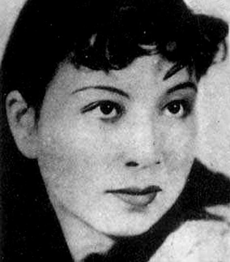 Jiang Qing, Mao-ce-tung felesége  A kommunista kínai diktátor feleségét ma a világ leggonoszabb asszonyai között emlegetik. A legmagasabb rangot érte el a kommunista párton belül, a kínai kulturális forradalom keretein belül számos ősi épületet, tárgyat, könyvet és műalkotás pusztíttatott el, nem utolsósorban pedig rengeteg értelmiségit küldött a börtönbe, illetve a halálba.