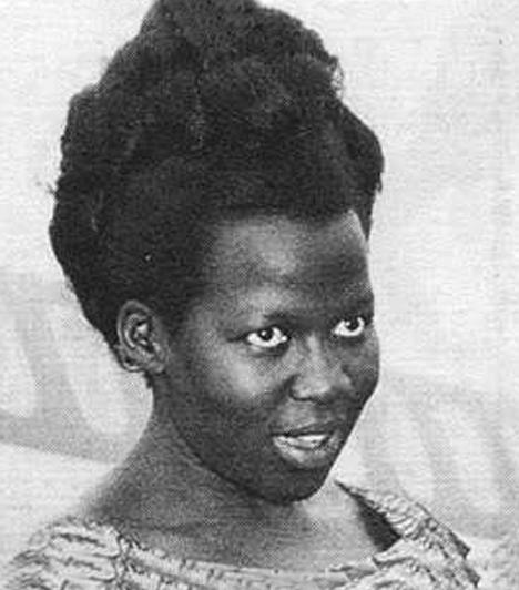Kay Amin, Idi Amin felesége  A fiatal, intelligens és gyönyörű Kayon rögtön megakadt az ugandai diktátor szeme, azonban a fellángolás nem tartott sokáig, Idi Amin újabb és újabb nőkkel múlatta az időt. Eközben Kay-nak is szeretője lett egy orvos személyében, akitől később gyermeket is várt. A diktátor azonban megbosszulta mindezt, állítólag a férfit és a nőt is megölette, utóbbi testét ráadásul brutális módon meg is csonkíttatta. Részben ezt dolgozza fel Az utolsó skót király című film is.