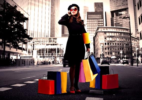 Egy kis vásárlás színt visz a szürke hétköznapokba.Kattints ide a nagyobb felbontású képért! »