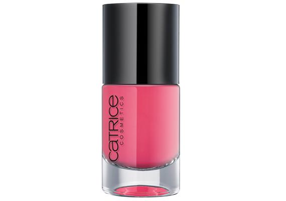 A Catrice pink árnyalatú lakkját az Ultimate Nail Lacquer kínálatban találod, 749 forintért.