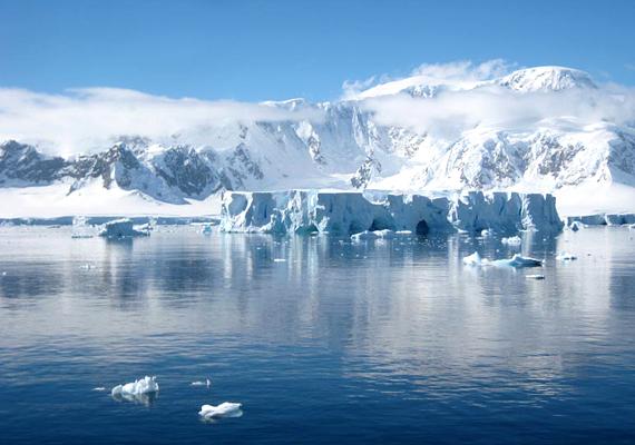 Az Antarktisz-félsziget átlaghőmérséklete az elmúlt száz évben három Celsius-fokot emelkedett.