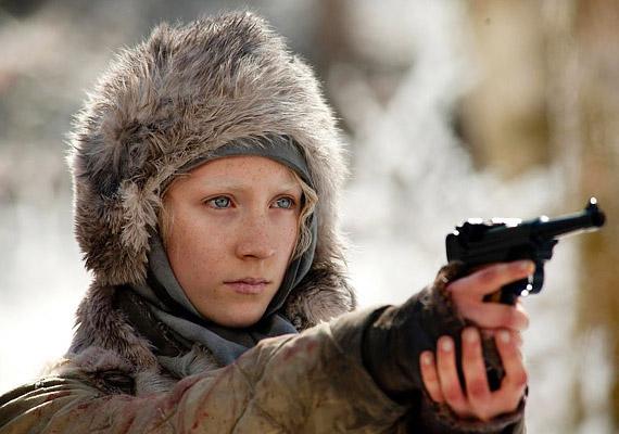Hanna apjának egyetlen célja volt lányával: tökéletes gyilkológéppé akarta formálni őt. A film címe: Hanna - Gyilkos természet.