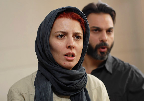 A Nader és Simin című iráni film egy megrázó elválás története.