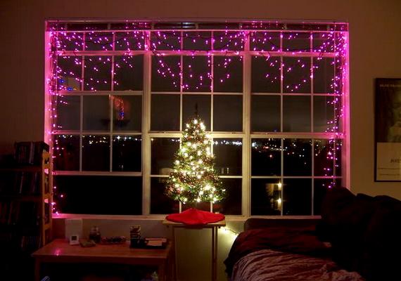 Nemcsak karácsonykor, az év bármely részében szép az ablakra tett izzósor.