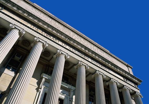 A New York-i székhelyű magánegyetem, a Columbia Egyetem szintén több Nobel-díjast tudhat magáénak a közgazdaságtan, a fizika, a biológia, az orvostudomány és a fiziológia területén. Ezenkívül a Columbia volt hallgatói között van egy Béke Nobel-díjas is.