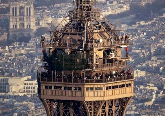 A legfelső, harmadik emelet is népszerűbb volt, mint az első: itt 276 méteres magasságból lehet szemlélődni.