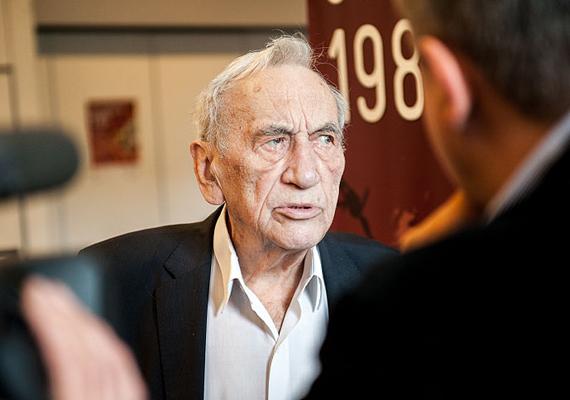 86 éves korában meghalt a demokratikus Lengyelország első megválasztott miniszterelnöke, Tadeusz Mazowiecki.
