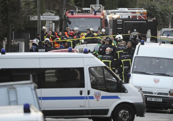 Franciaország, Toulouse. A merénylő egy iskolában lövöldözött, összesen hét embert ölt meg, akik között két óvodás és egy kisiskolás gyermek is volt.