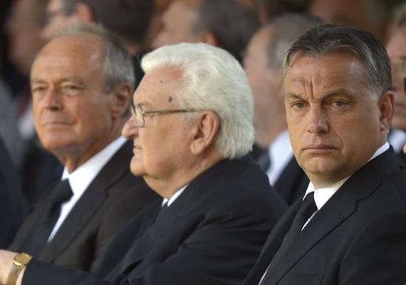 A volt miniszterelnök, Boross Péter 1993 és 1994 között, 206 napot töltött a hivatalában, ami a 12 jogosult körében a legkevesebb idő. Boross Péter 2009 februárjától kapja az összeget.