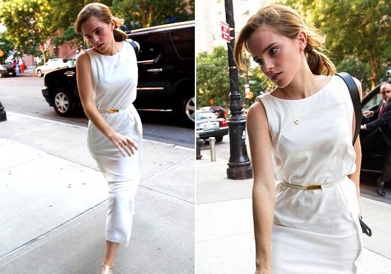 Emma Watson egy lenge, könnyed fehér kánikularuhában lépett az utcára.