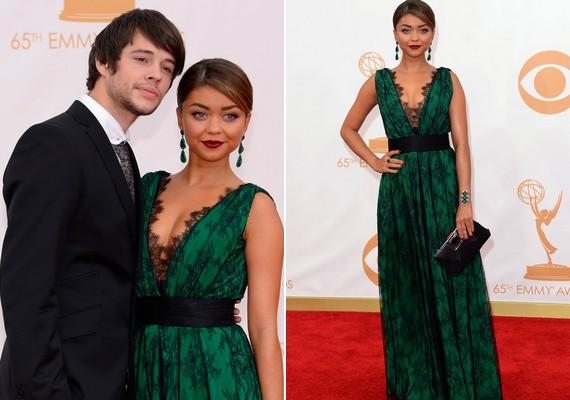 Sarah Hyland barátja, Matt Prokop oldalán érkezett. A színésznőn mélyen dekoltált zöld ruha volt, amivel gyorsan a fotósok kedvencévé lépett elő.