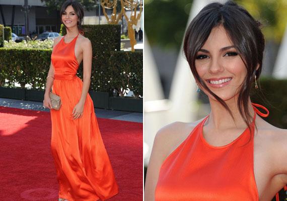Victoria Justice narancsszínű selyemruhája sokak szerint a gála legszebbje volt.