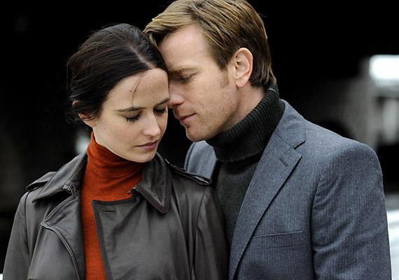 Ewan McGregor és Eva Green egy világméretű járvány kezdetén szeretnek egymásba a Hétköznapi pár című filmben.