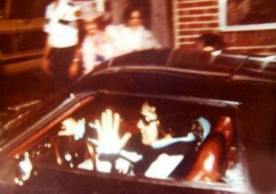 Az elmosódott felvétel állítólag a legutolsó, ami még életében készült a rock 'n' roll királyáról, Elvis Presley-ről.