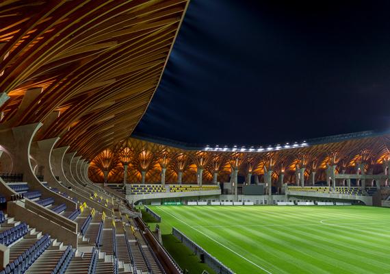 Bár tény, hogy szép lett a végeredmény, már a debreceni Nagyerdei Stadion kapcsán is átgondoltuk, mennyi mindenre lehetett volna ezt a pénzt költeni.