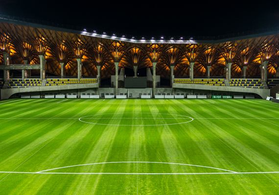 Íme, a pálya, amit a hagyományos húsvéti ifjúsági futballtorna, a Puskás-Suzuki-kupa döntőjének keretében avatnak fel.