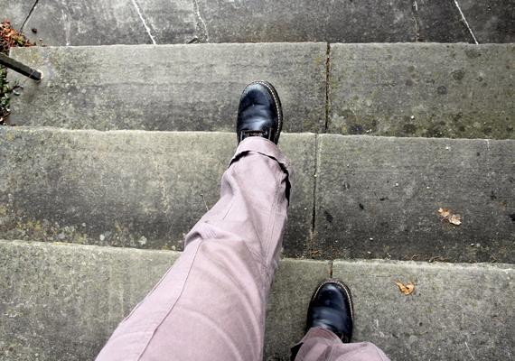 """""""Olyan érzés lehet, mintha az alhasad lefelé menne egy lépcsőn, és elvétené az utolsó lépést."""""""