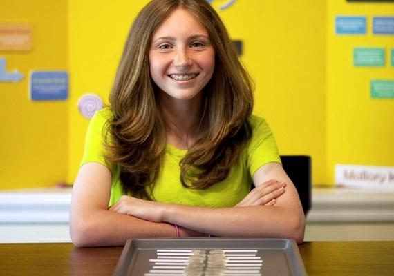 Mallory Kievman mindössze 12 éves volt, amikor 2012-ben hosszas kísérletezés után ráakadt a csuklás ellenszerére. Kifejlesztett egy cukros-almaecetes nyalókát, ami átment a teszteken, de az ízét még javítgatják.