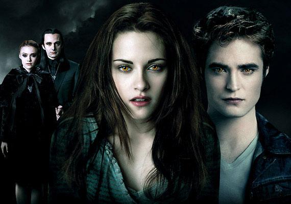 Robert Pattinson, Kristen Stewart és Lee Pace gondokodnak arról, hogy az Alkonyat - Hajnalhasadás I. része ne legyen unalmas. November 17-étől a mozikban.