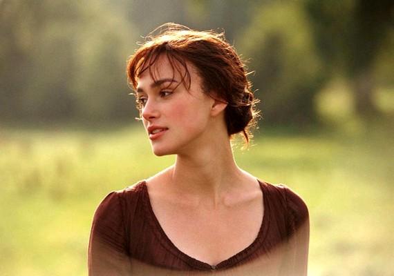 Ha szereted a régi korok hangulatát, romantikáját, meg kell nézned a Büszkeség és balítélet című filmet Keira Knightley-val.