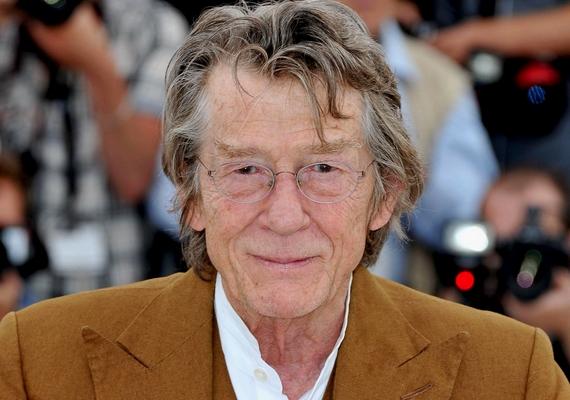 Még Lugosi Bélánál is többször érte utol a végzet filmjeiben John Hurt színészt, aki jelenleg 40-nél tart.