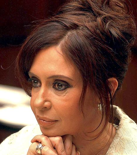 Cristina Fernández de Kirchner  Argentina korábbi first lady-je, aki férjétől vette át az elnöki posztot 2007-ben. Christina Argentina első női elnöke, a választásokon a szavazatok 45 százalékát szerezte meg.  Mind Latin-Amerikába, mind Argentínában az emberi jogok erőteljes képviselőjeként beszélnek róla. A nők politikai aktivitásának teljes mértékű védelmezője.