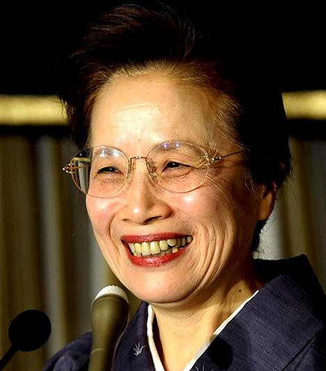 Nabuko Kan  A japán miniszterelnök 65 éves felesége, aki egyben férje legnagyobb kritikusa is. Legutóbb például azt nyilatkozta, ha újra élhetné az életét, akkor biztosan nem őt választaná társául. Mondjuk, ez negyven év házasság után nem is csoda...