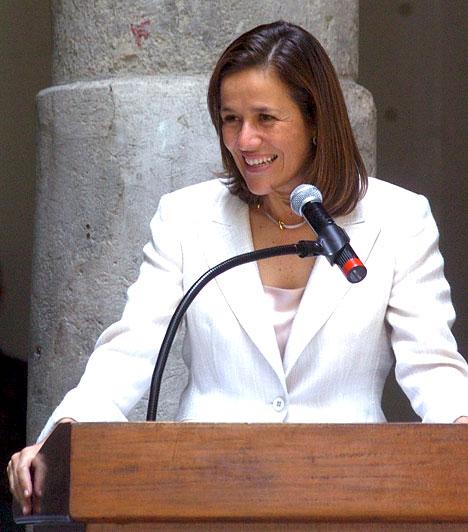 Margarita ZavalaA drogháborúk övezte Mexikó first lady-je, Felipe Calderón felesége.Calderónnal 1993-ban házasodtak össze, három gyermekük született. Pályáját a first lady-séggel nem adta fel, tanárként dolgozik egy magániskolában.