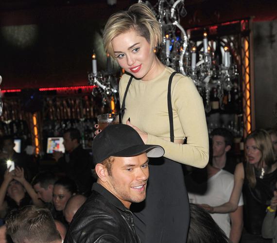 Miley Cyrus és Kellan Lutz is csupán barátok. Kellan az énekesnő egykori jegyesével, Liam Hemsworth-szel is nagyon jó viszonyt ápol, ezért vele szemben sem lenne korrekt, ha összejönnének.