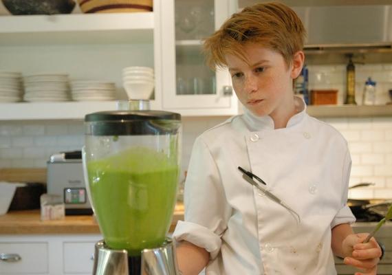 Már 13 éves korában is otthonosan mozgott a konyhában, egészen kiskora óta a sütés-főzés a szenvedélye.