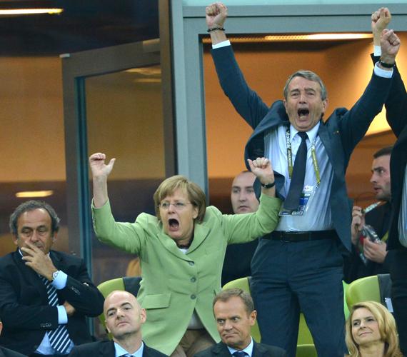 Az elődöntőbe bejutottak, az olaszok verték meg őket, akiket meg a spanyolok.