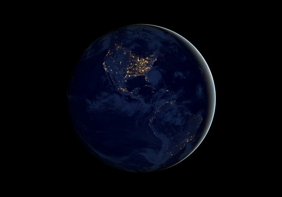 Így néz ki a Földgolyó éjszaka, az űrből.