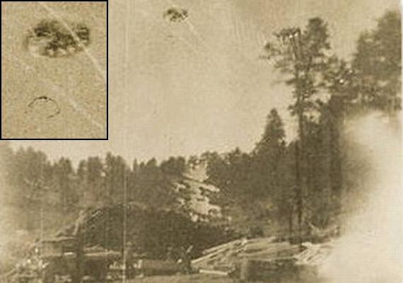 Egy coloradói fűrésztelepen fotózták az égen az oda nem illő jelenséget 1929-ben. Az akta szerint a kép készítője égzengésről, majd a tárgy hirtelen eltűnéséről számolt be.