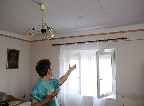Személyi sérülés nem történt, de több száz ház rongálódott meg.