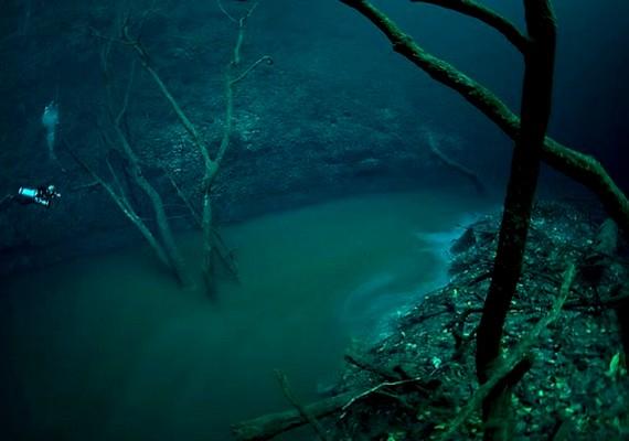 A páratlan jelenség 30 méterrel a felszín alatt jött létre.