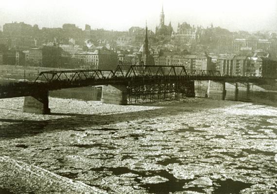 Az egykori Kossuth híd.