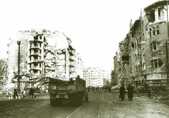 A Margit körút a háború után.