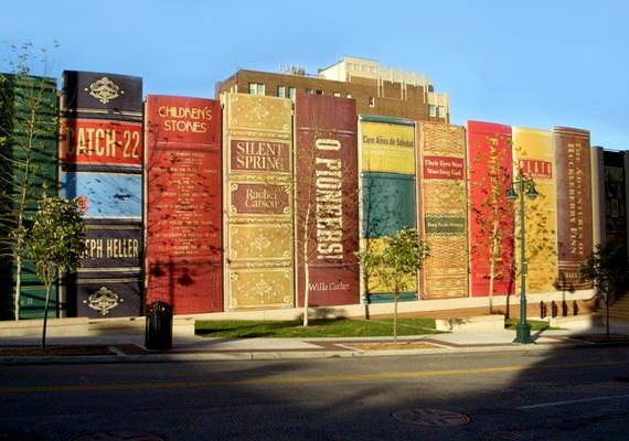 Mi más is működhetne az épületben, mint egy könyvtár: a stílusos alkotás Kansasben található.