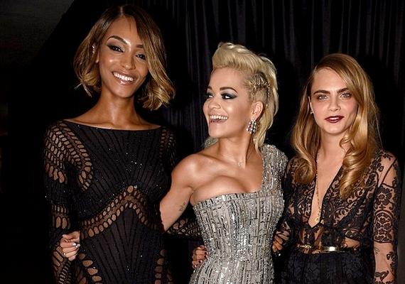 Az esés előtt Jordan Dunn brit modellel és Rita Ora énekesnővel bulizott.