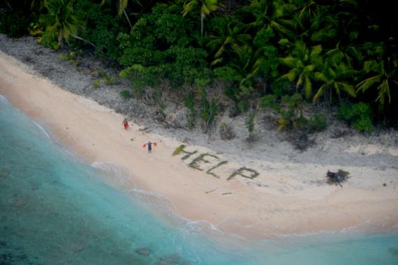 Mintha egy kalandfilmből származna ez a fotó, pedig valós helyszínen készült, és a szigeten rekedt férfiak számára szerencsére happy enddel végződött a sztori.
