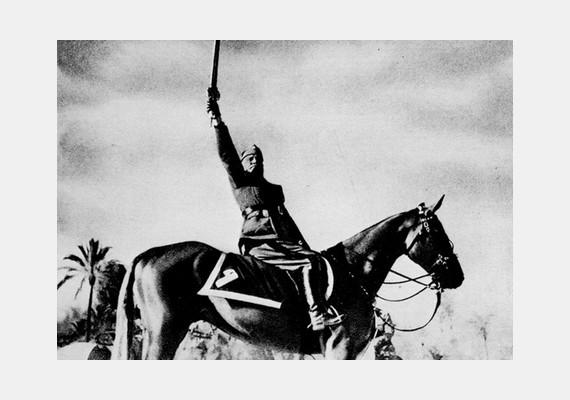 Benito Mussolini lovas fotója igazán híressé vált...