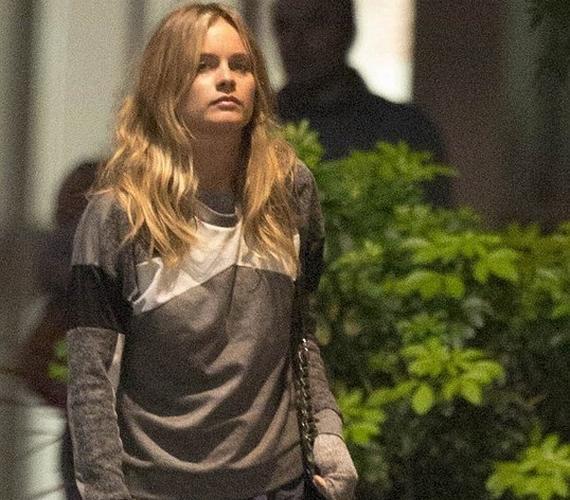 A múlt héten Harry és Cressida együtt mentek moziba a szemtanúk szerint, a szemfüles lesifotósok pedig meg is örökítették, amint a lány - egyedül - távozik a helyszínről.