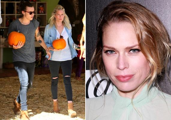 A 20 éves Harry és a 32 éves Erin Foster tökvásárlás közben keresztezte a lesifotósok útját. A színésznőt olyan sorozatokban láthattad epizódszerepben, mint a Castle vagy az NCIS: Los Angeles, és ő játszotta Heathert A narancsvidék című sorozatban.